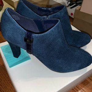 NIB Anne Klein Blue Heels Size 7.5